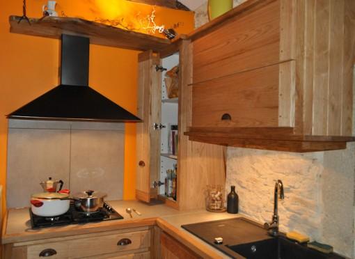Cuisine en Châtaignier brossé - Meubles hauts